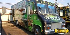 Ready for Business 2001 Workhorse P42 Diesel Mobile Kitchen Food Truck for Sale in Texas!!!