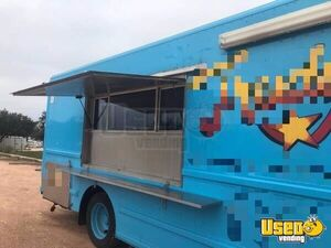 Freightliner Mobile Kitchen Food Truck for Sale in Texas!!!