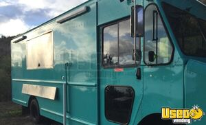 Never Used 2009 18' Workhorse W62 Step Van Fully Loaded Mobile Kitchen Food Truck for Sale in Texas!