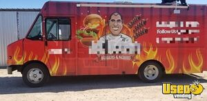 Mildly Used 2005 Workhorse 26' P42 Step Van Food Truck/Very Fresh Mobile Kitchen for Sale in Texas!