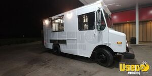 2003 Workhorse P42 Mobile Kitchen Food Truck for Sale in Texas!!!