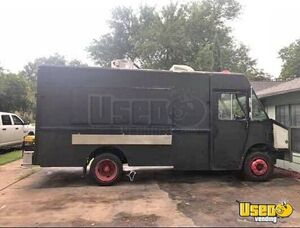 22' Freighliner Food Truck for Sale in Texas!!!