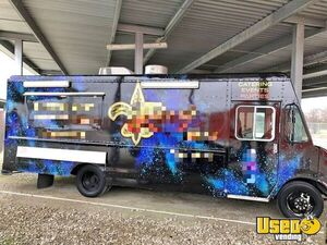24' Chevrolet Diesel Food Truck with Fully Equipped Commercial Mobile Kitchen for Sale in Texas!!