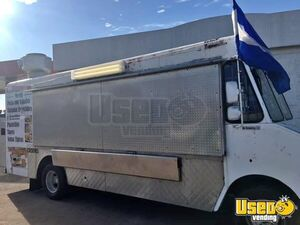 Ready to Roll Chevrolet Step Van Kitchen on Wheels / Used Food Truck for Sale in Texas!!