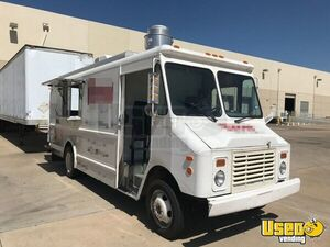 GMC Food Truck Loaded Mobile Kitchen for Sale in Texas- Barely Used!!!