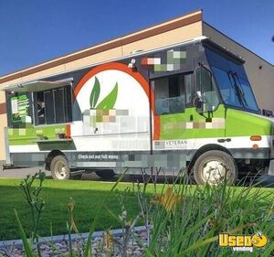 2001 Ford 18' Freightliner Diesel Step Van Food Truck/Loaded Mobile Kitchen for Sale in Utah!