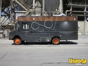 Chevy P30 Step Van Food Truck with 2013 Kitchen for Sale in Utah!!!
