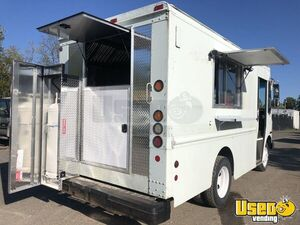 2002 - Workhorse P42 Diesel Step Van Food Truck with NEW Kitchen for Sale in Virginia!