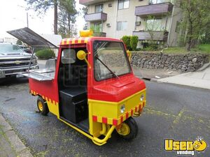 Hot Dog / Food Vending Cart Truckster Mini Food Truck for Sale in Washington!!!