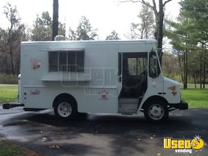 2003 Workhorse Mobile Kitchen Food Truck for Sale in Wisconsin!!!