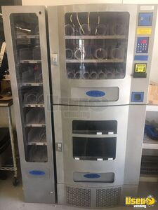 Seaga VC 830 Office Deli Combo Vending Machine for Sale in Florida!