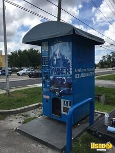 2016 Everest Bulk Bagged Ice & Water Vending Machine Commercial Ice Kiosk for Sale in Florida!