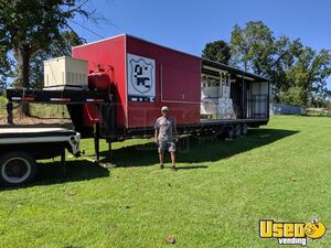 2007 - 40' BBQ Concession Trailer with Bathroom and Porch / Barbecue Rig for Sale in Arkansas!