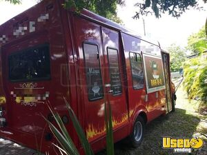 Clean & Spacious Barbecue Step Van Kitchen Food Truck/Used Mobile Barbecue Unit for Sale in Florida!
