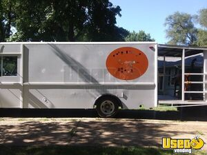 30' Chevrolet P30 Barbecue Truck with a 6' Porch / Used Barbecue Rig for Sale in Kansas!!!