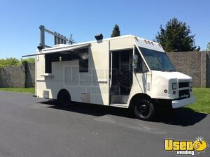 Chevrolet P30 Barbecue Food Truck / Mobile Kitchen for Sale in Pennsylvania!!!