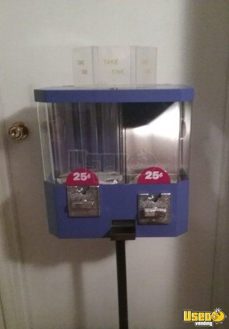 VM180 Dual Head Bulk Candy Vending Machines for Sale in Kentucky NEW in Box!