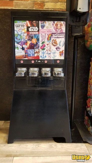 Candy / Capsule Rack Vending Machine Florida for Sale