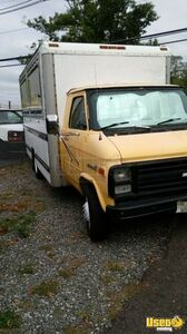 Ready to Work 21' GMC 350 Box Van Coffee Truck / Used Mobile Cafe for Sale in New Jersey!