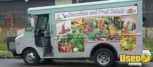 Used GMC P3500 Smoothie Healthy Food Truck in Excellent Working Condition for Sale in Pennsylvania!