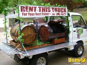 Very Unique and Eye-Catching Suzuki 4WD Used Mobile Wine Barrel Beverage Truck for Sale in Missouri!