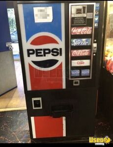 Vintage Dixie Narco Classic Pepsi Soda Vending Machine for Sale in California- Works Great!