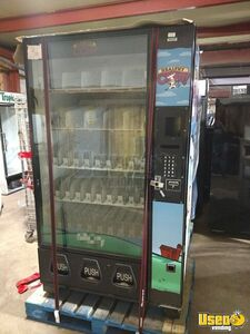 Dixie-Narco Glassfront Soda / Drink Vending Machine for Sale in Illinois!