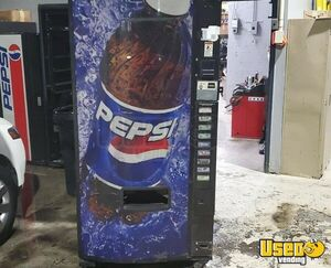 Working Dixie Narco Electrical Soda Pop Drink Vending Machine with Pepsi Front for Sale in Indiana!