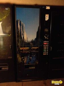 Vendo 576 Electronic Soda Vending Machine for Sale in Arizona!!!