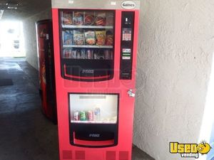 Gaines VM 750 Combo Snack & Soda Vending Machine for Sale in California!
