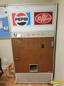 Vintage Vendolator VF246 Soda Vending Machine for Sale in Colorado!