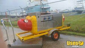 Classic Hot Dog Shaped Food Vending Cart for Sale in Florida!