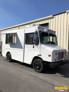Freightliner Mobile Kitchen Food Truck for Sale in Florida!!!