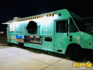 2002 Freightliner MT45 Food Truck for Sale in Florida!!!