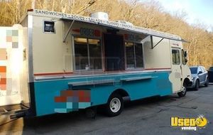 30' Workhorse Food Truck for Sale in Missouri!!!