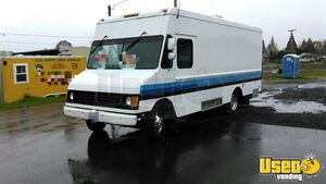 22 ' GM Truck with Kitchen Equipment for Sale in Oregon!!!