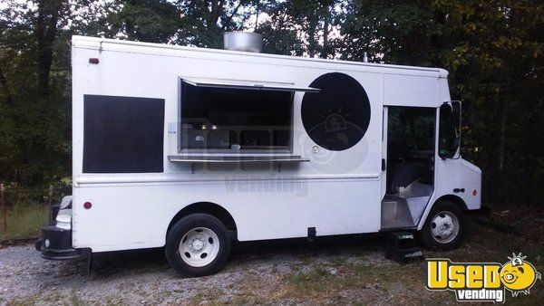 Workhorse BBQ / Mobile Kitchen / Food Truck for Sale in Tennessee!!!