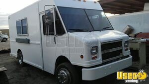 Freightliner Food Truck Mobile Kitchen for Sale in Texas!!!