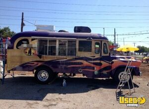 2012 Chevy Food Truck for Sale in Texas!!!