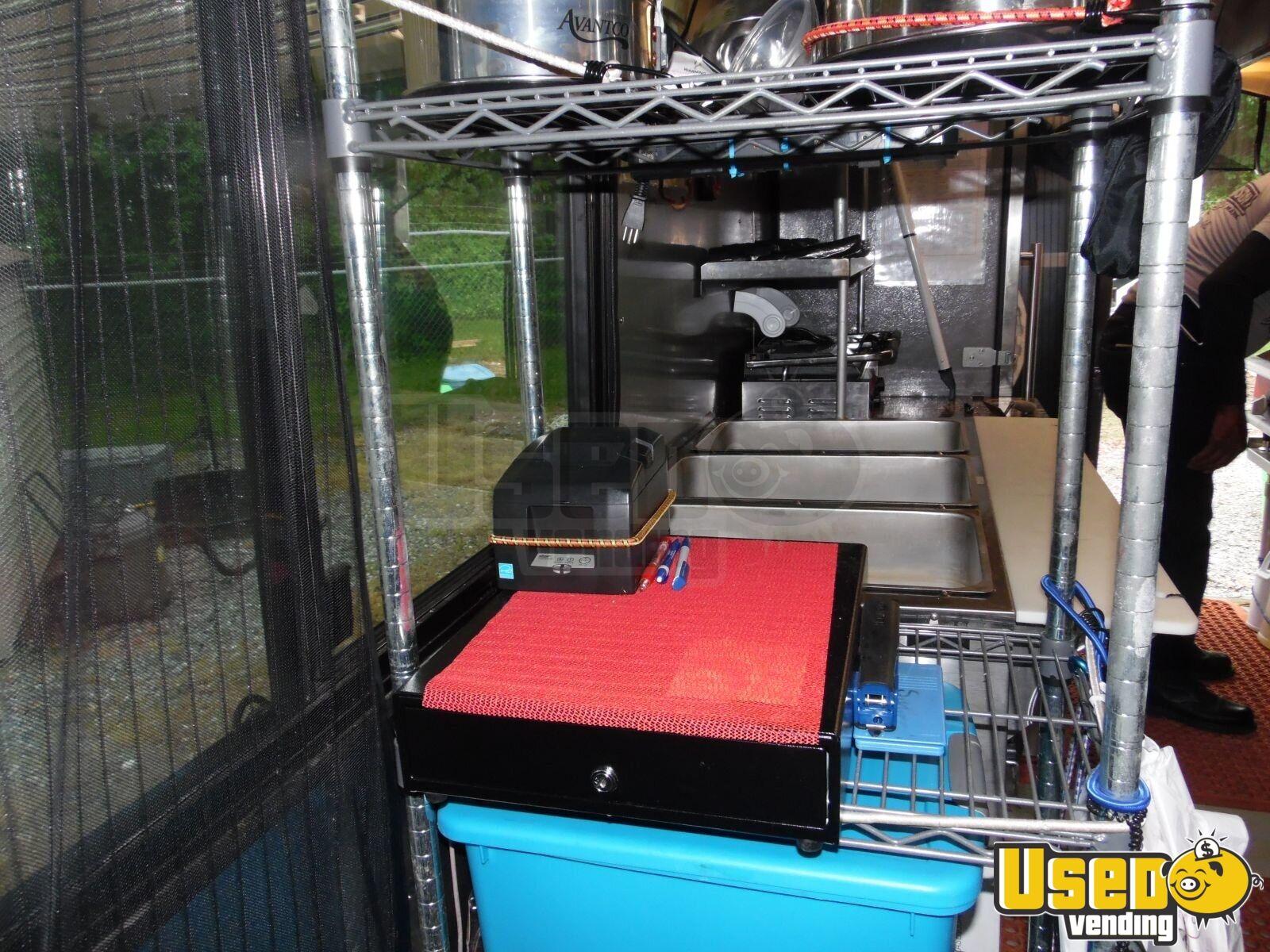 freightliner mobile kitchen for sale in delaware. Black Bedroom Furniture Sets. Home Design Ideas