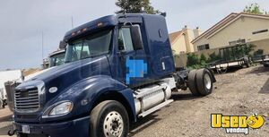 2008 Freightliner Columbia Sleeper Cab Semi Truck Detroit Series 60 for Sale in California!