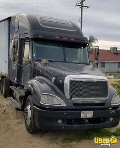 2003 Freightliner Columbia Sleeper Cab Semi Truck Cat C15 10-Speed MT for Sale in California!