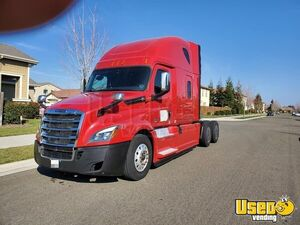 2018 Freightliner Cascadia Sleeper Truck / Sleeper Cab Semi Truck with Detroit Engine for Sale in California!