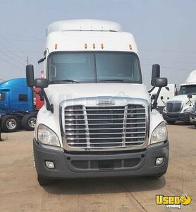 2015 Freightliner Cascadia Sleeper Cab Semi Truck 450hp DT12 for Sale in Colorado!