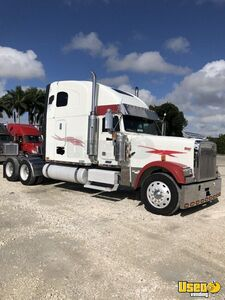 2005 Freightliner Classic XL 132 Sleeper Cab Semi Truck 14L Detroit MT for Sale in Florida!