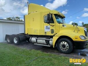 TWO 2006 Freightliner Columbia Sleeper Cab Semi Trucks for Sale in Florida!