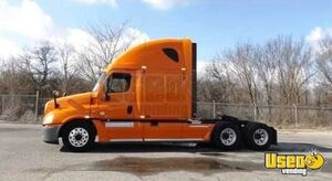 Road Ready 2011 Freightliner Cascadia Sleeper Cab Semi Truck with Detroit Motor for Sale in Georgia!
