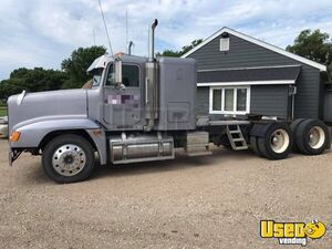 Freightliner FLD 120 Dual Exhaust Sleeper Semi Truck / Over the Road Truck for Sale in Minnesota!