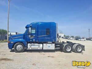 2007 Freightliner Century Sleeper Cab / Ready for Action Semi Truck for Sale in Oklahoma!