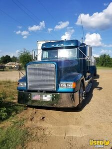 1996 Freightliner Flat Top Sleeper Cab Semi Truck with J&L Pneumatic Trailer for Sale in Texas!